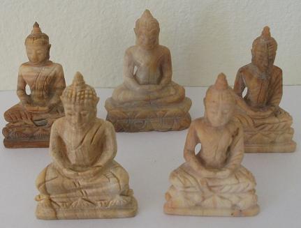 buddha figuren aus versteinertem holz. Black Bedroom Furniture Sets. Home Design Ideas