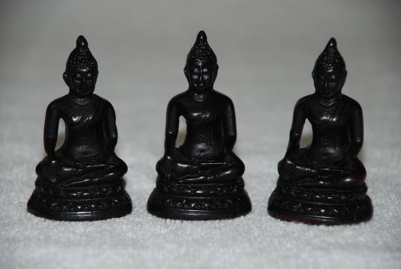 buddha figur klein buddha figuren bronziert g nstig online kaufen www kleine sitzende deko. Black Bedroom Furniture Sets. Home Design Ideas